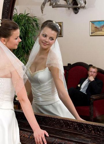 Приметы платье испачкать